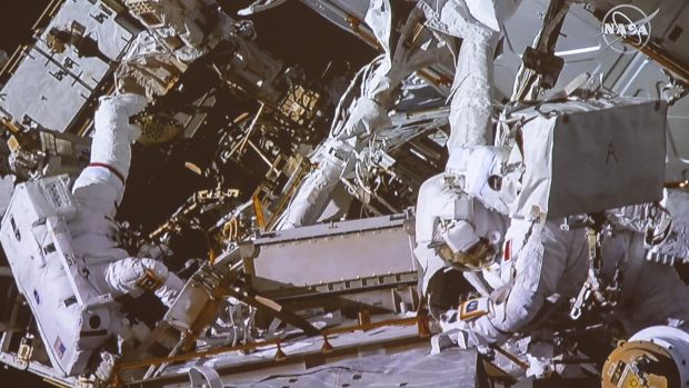 NewsAlert: David Saint-Jacques becomes fourth Canadian astronaut to complete spacewalk