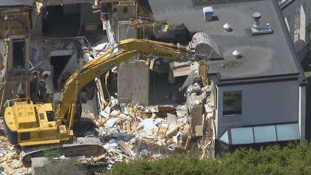 Demolition begins on home where Honey and Barry Sherman were