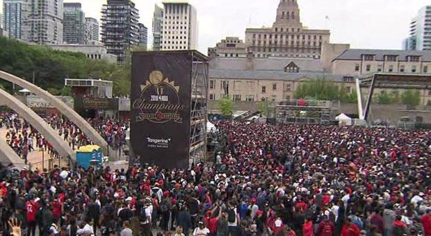 Many Torontonians skip work to watch Raptors parade, rally downtown
