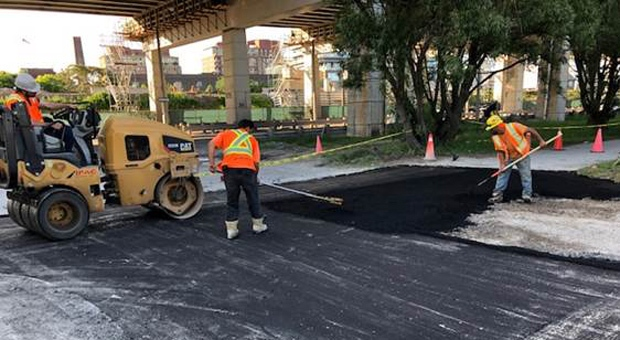Toronto man brings crew to Martin Goodman trail, fills pothole himself