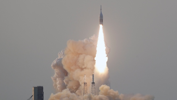 Watch NASA's Orion Spacecraft Ace Its Launch Abort Test