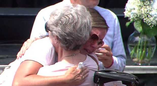 Torontonians gathered in Withrow Park on Sunday for a ceremony to honour the victims of the Danforth shooting.