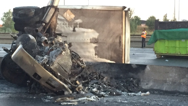 Two dead after fiery Hwy  401 crash in Mississauga | CP24 com