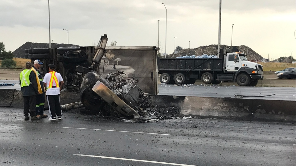 Cleanup continues after two people killed in Hwy  401 crash