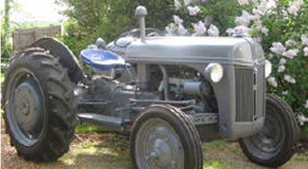Durham police have released a photo of a tractor similar to one stolen from a church in Oshawa. (Durham Regional Police handout)