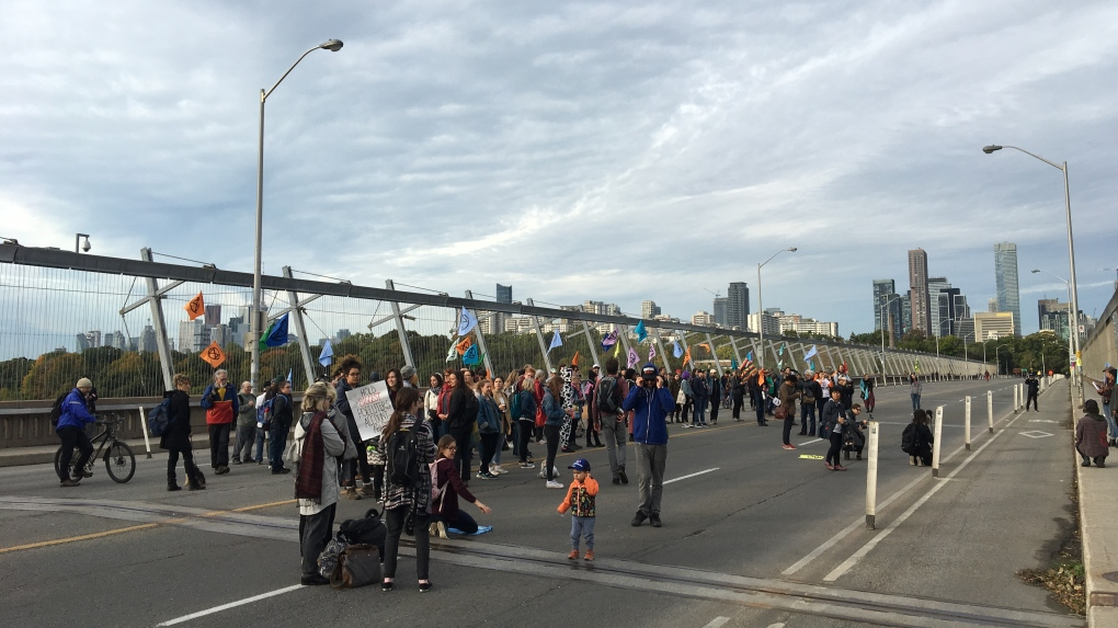 Crown drops mischief charges laid against 18 'Extinction Rebellion' protesters who blocked Bloor Viaduct