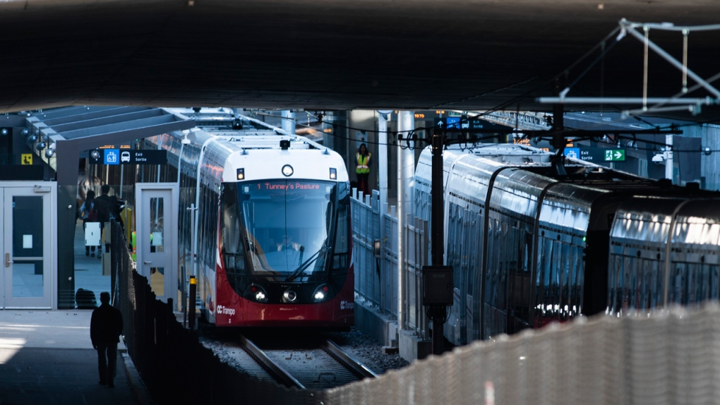 Failing computers, broken doors, just 'learning curve' for Ottawa's new LRT