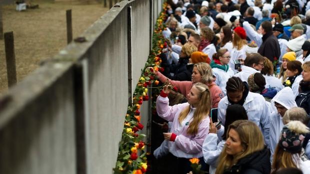 Berlin Wall, commemoration