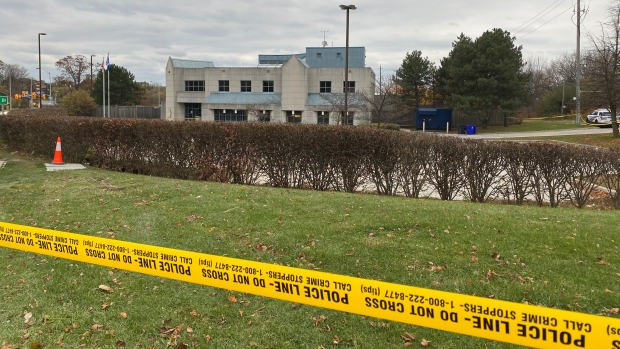 Man walks into North York police station with serious gunshot wound - CP24 Toronto's Breaking News