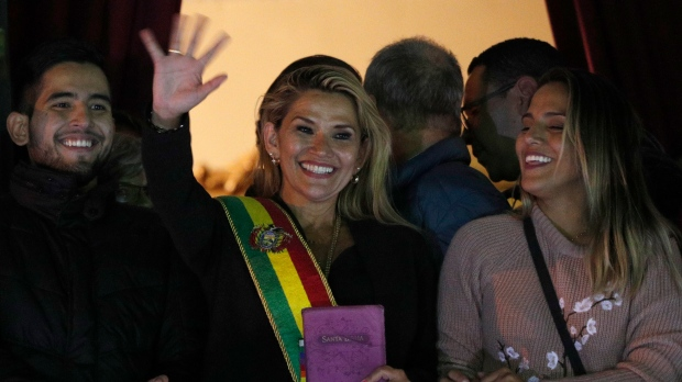 New Bolivian leader seeks quick vote, foes plan disruptions