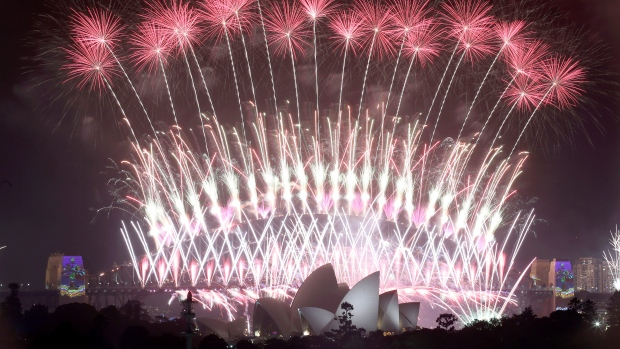 New Year's fireworks OK'd in Sydney as wildfire risk worsens