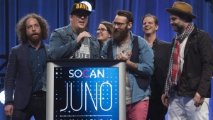 The Strumbellas accept the award for Single of the Year at the Juno Gala awards show in Ottawa, Saturday, April 1, 2017.  THE CANADIAN PRESS/Sean Kilpatrick
