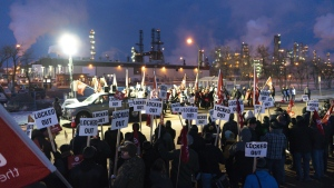 Unifor tries to shut down Regina refinery; Co-op says union breaking court order