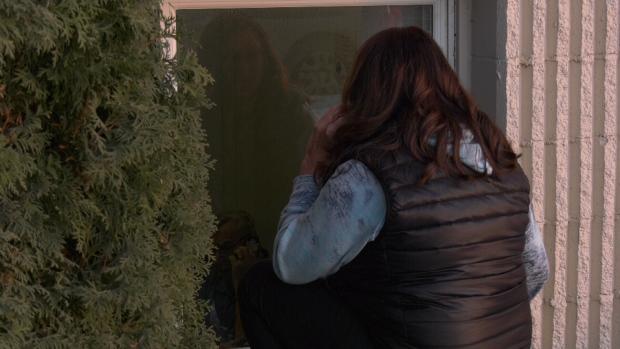 'That's ridiculous,' Ford slams Ottawa rule barring nursing home window visits