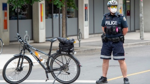 A Toronto police officer on Saturday, June 6, 2020. THE CANADIAN PRESS/Frank Gunn