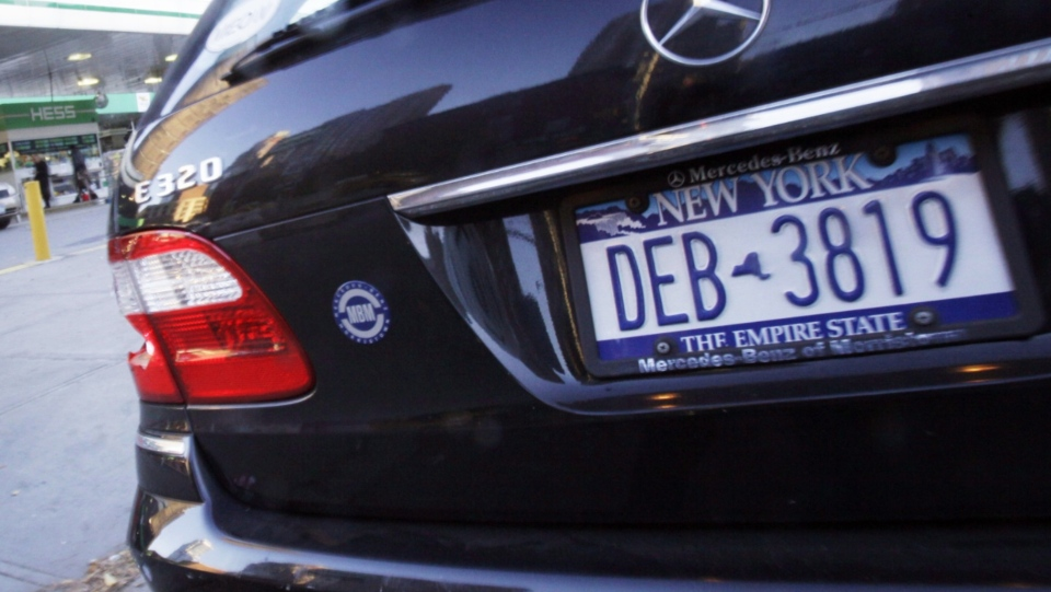 A New York licence plate is seen in this undated file photo. (The Canadian Press)