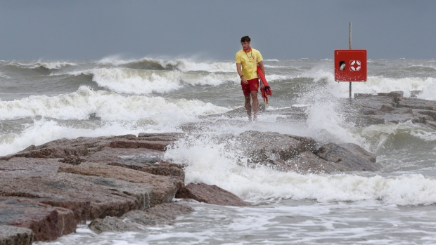Hanna becomes first hurricane of the season