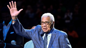 Wayne Embry raises his hand as he stands with fellow recipients of 14th annual National Civil Rights Museum Sports Legacy Award before the 17th annual Martin Luther King Jr. Celebration Game between the New Orleans Pelicans and the Memphis Grizzlies in Memphis, Tenn., on January 21, 2019. THE CANADIAN PRESS/AP, Brandon Dill