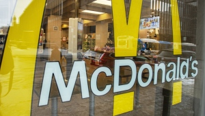 McDonald's Canada says it will return to sourcing only Canadian beef in September after having to import beef for its products due to COVID-19. An empty McDonald's restaurant is seen in Montreal, Tuesday, March 17, 2020. THE CANADIAN PRESS/Ryan Remiorz