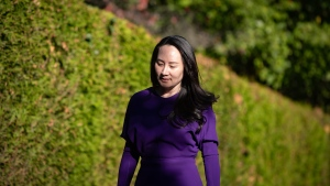 Meng Wanzhou, chief financial officer of Huawei, leaves her home to attend a court hearing in Vancouver, on Tuesday, September 29, 2020. THE CANADIAN PRESS/Darryl Dyck