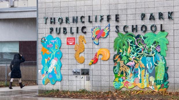 Thorncliffe, Park, Public, School