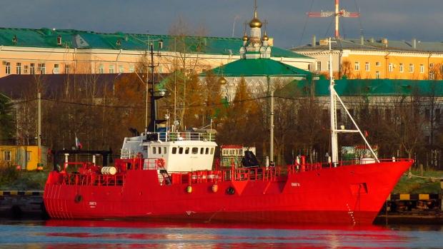 Russian fishing trawler sinks in Barents Sea, 17 missing