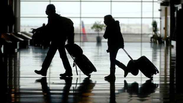 U.S. CDC: travel 'low risk' for vaccinated people; not recommending trips