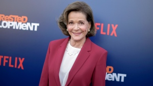 """FILE - In this May 17, 2018 file photo, Jessica Walter attends the LA Premiere of """"Arrested Development"""" Season Five in Los Angeles. Walter, who played a scheming matriarch in television series, has died. She was 80. (Photo by Richard Shotwell/Invision/AP, File)"""