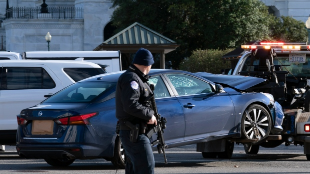Situation Outside US Capitol in Wake of Deadly Vehicle Attack