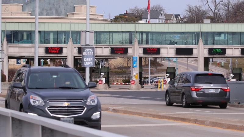 Vehicles cross the Rainbow Bridge. Wednesday, March 18, 2018, in Niagara Falls N.Y. (AP Photo/Jeffrey T. Barnes)