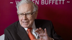 Warren Buffett, Chairman and CEO of Berkshire Hathaway, speaks during a game of bridge following the annual Berkshire Hathaway shareholders meeting in Omaha, Neb., Sunday, May 5, 2019. THE CANADIAN PRESS/AP/Nati Harnik