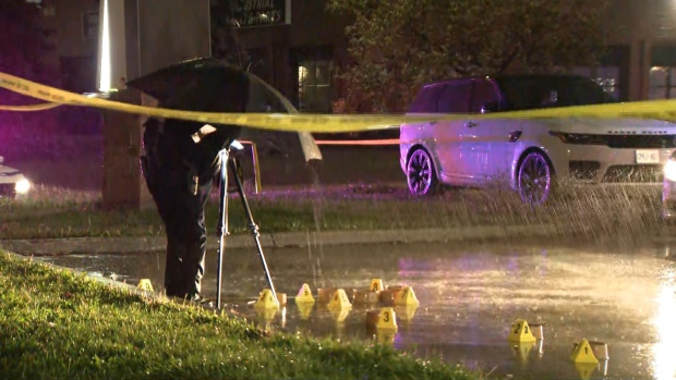 Police investigate a fatal shooting in a parking lot off Mid-Way Blvd. in Mississauga Wednesday, September 22, 2021.