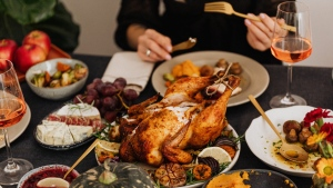 But as the threat of the Delta variant looms, experts say Canadians planning on hosting Thanksgiving gatherings should proceed with caution and avoid having large, indoor gatherings with unvaccinated guests. (Pexels)