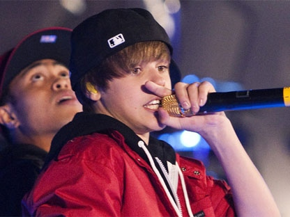 Justin Bieber performs during the MuchMusic Video Awards in Toronto, Sunday June 20, 2010. (THE CANADIAN PRESS/Chris Young)