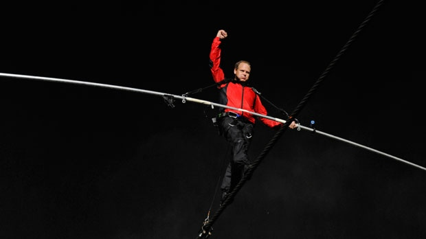Wallenda 'on cloud nine' after tightrope walk   CP24 com