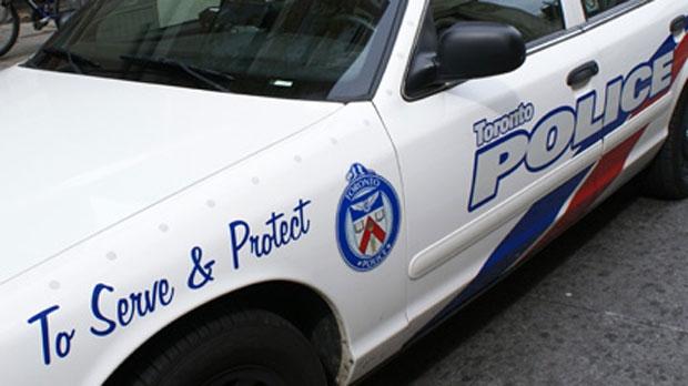 Police investigate double stabbing in Scarborough's McGregor Park neighbourhood
