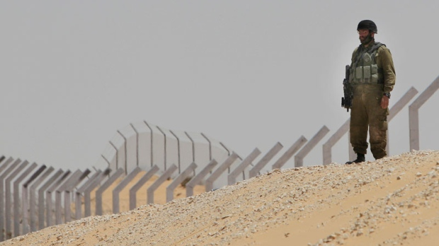 Israel, Egypt, border, soldier, Sinai