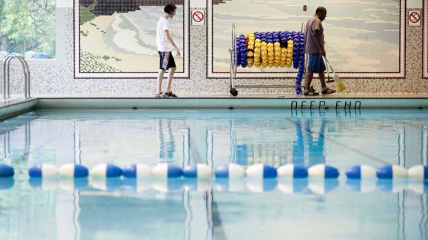 Public pools help with summer swelter but swimmers should beware of infections experts say for Molluscum contagiosum swimming pool